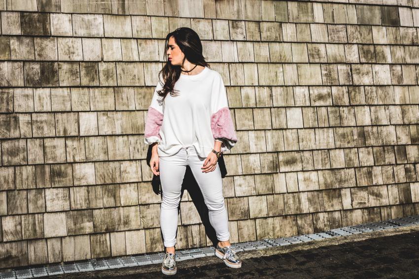 jersey blanco con rosa zara