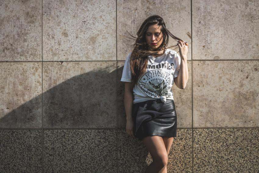 leather effect moni skirt.