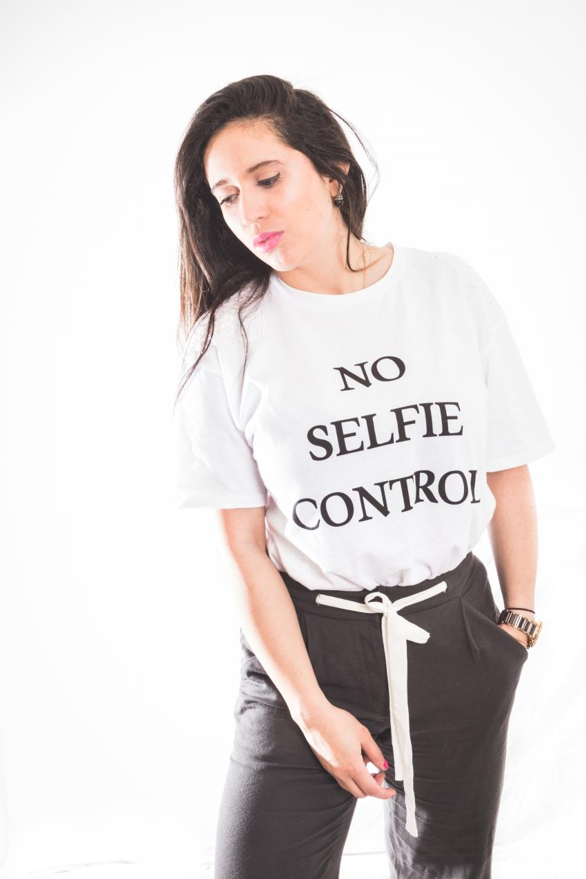 no selfie control mango.